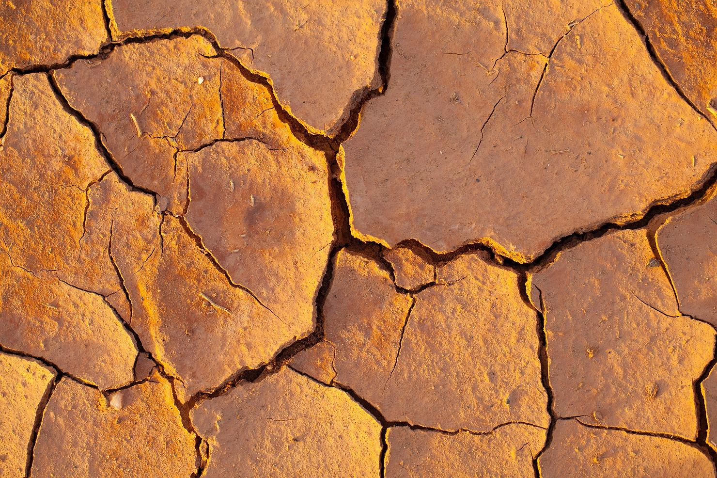 03_kalgoorlie_landscape_dry_cracks