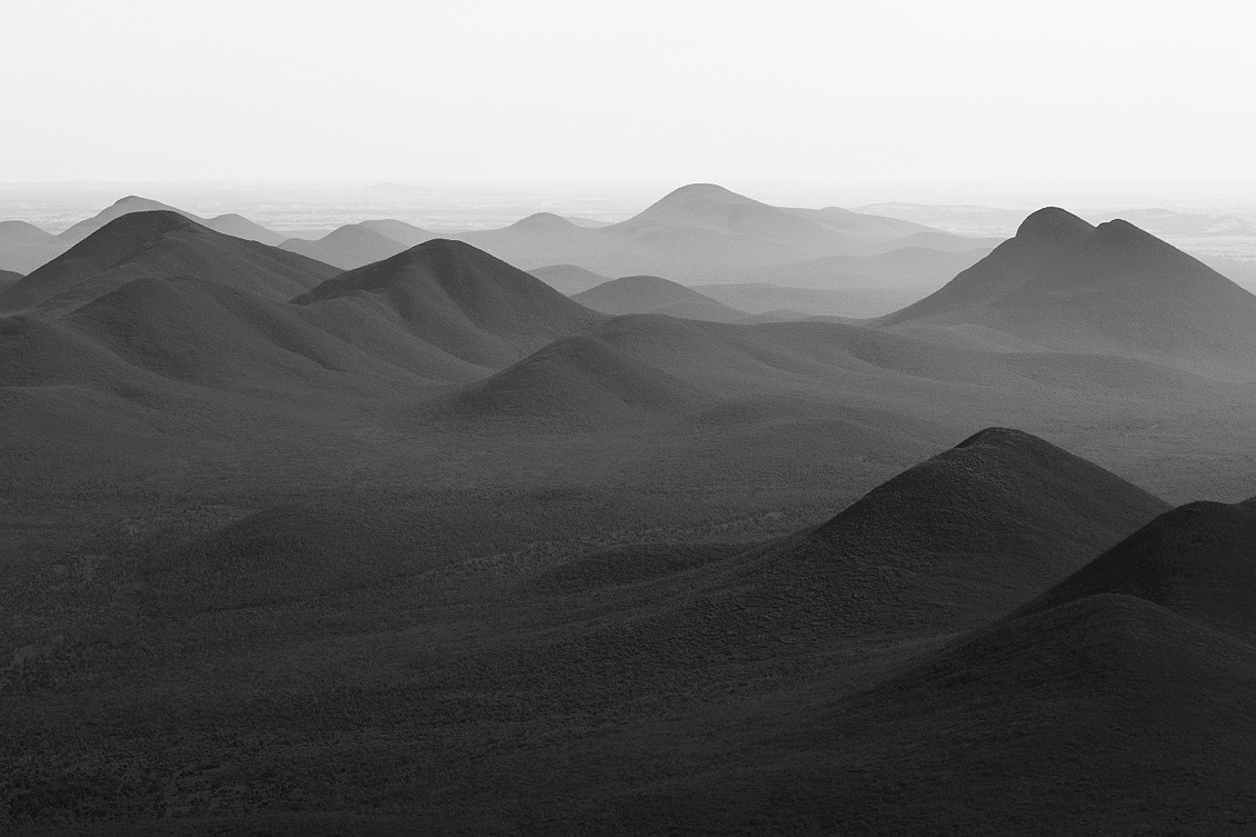 5929_stirling_ranges_national_park_monochrome_toolbrunup_peak