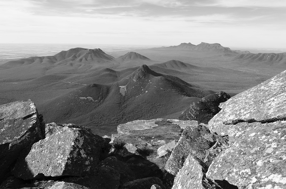 6330_stirling_ranges_national_park_monochrome_toolbrunup_peak