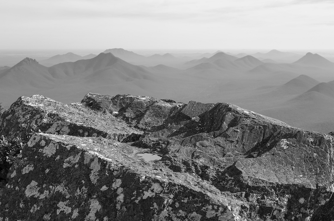7536_stirling_ranges_national_park_monochrome_toolbrunup_peak