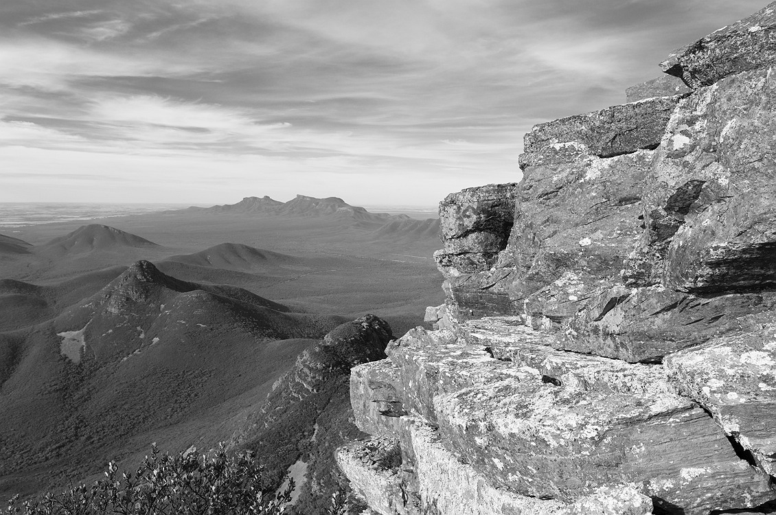 7939_stirling_ranges_national_park_monochrome_toolbrunup_peak