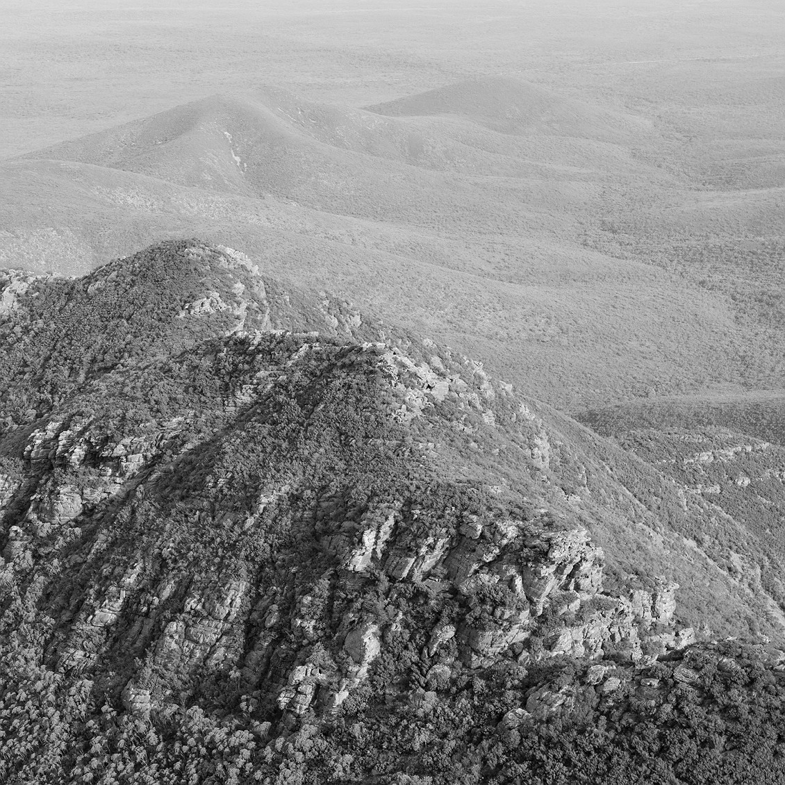 9548_stirling_ranges_national_park_monochrome_toolbrunup_peak