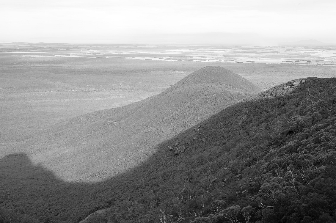 9950_stirling_ranges_national_park_monochrome_toolbrunup_peak