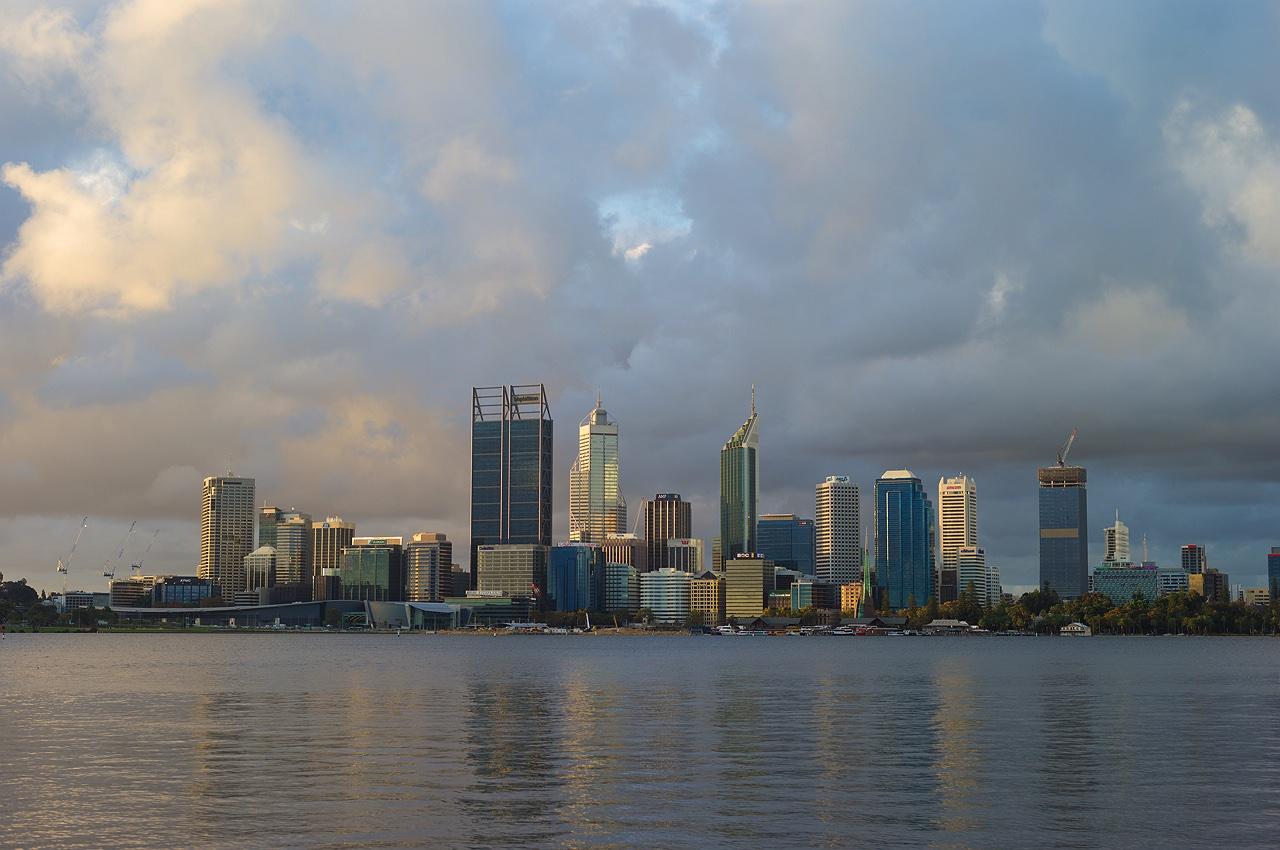 skyline_sunset_storm_perth_city