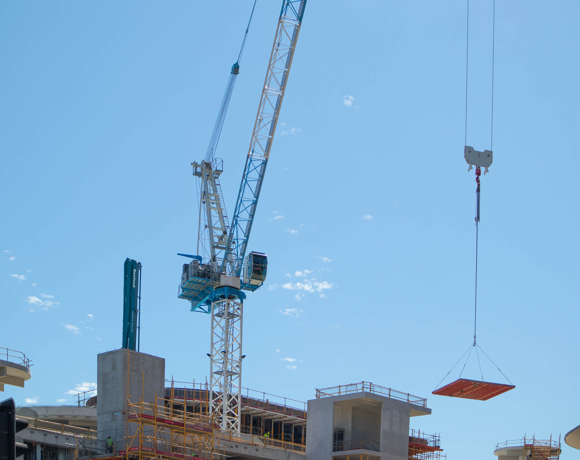 construction-tower-crane-perth