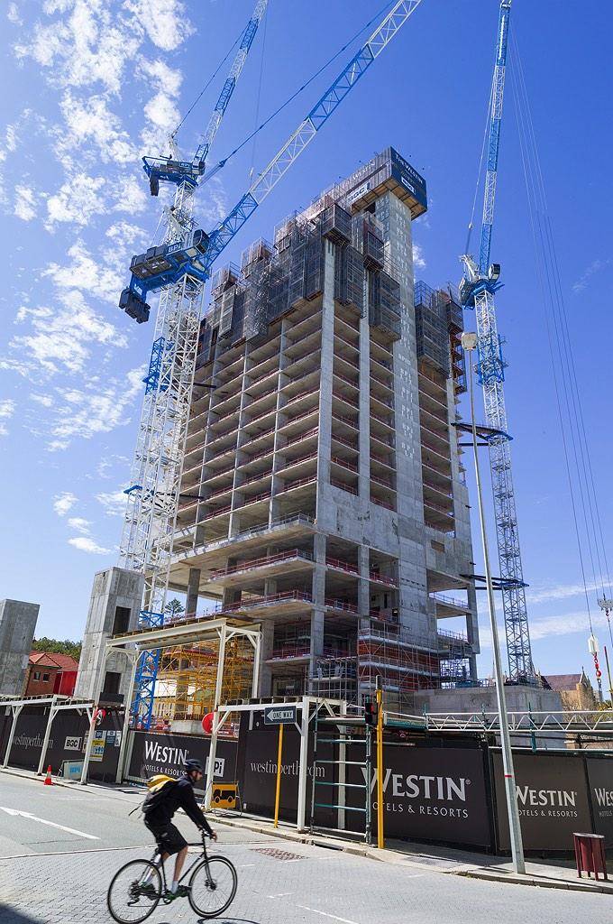 03_westin-towers-perth-construction