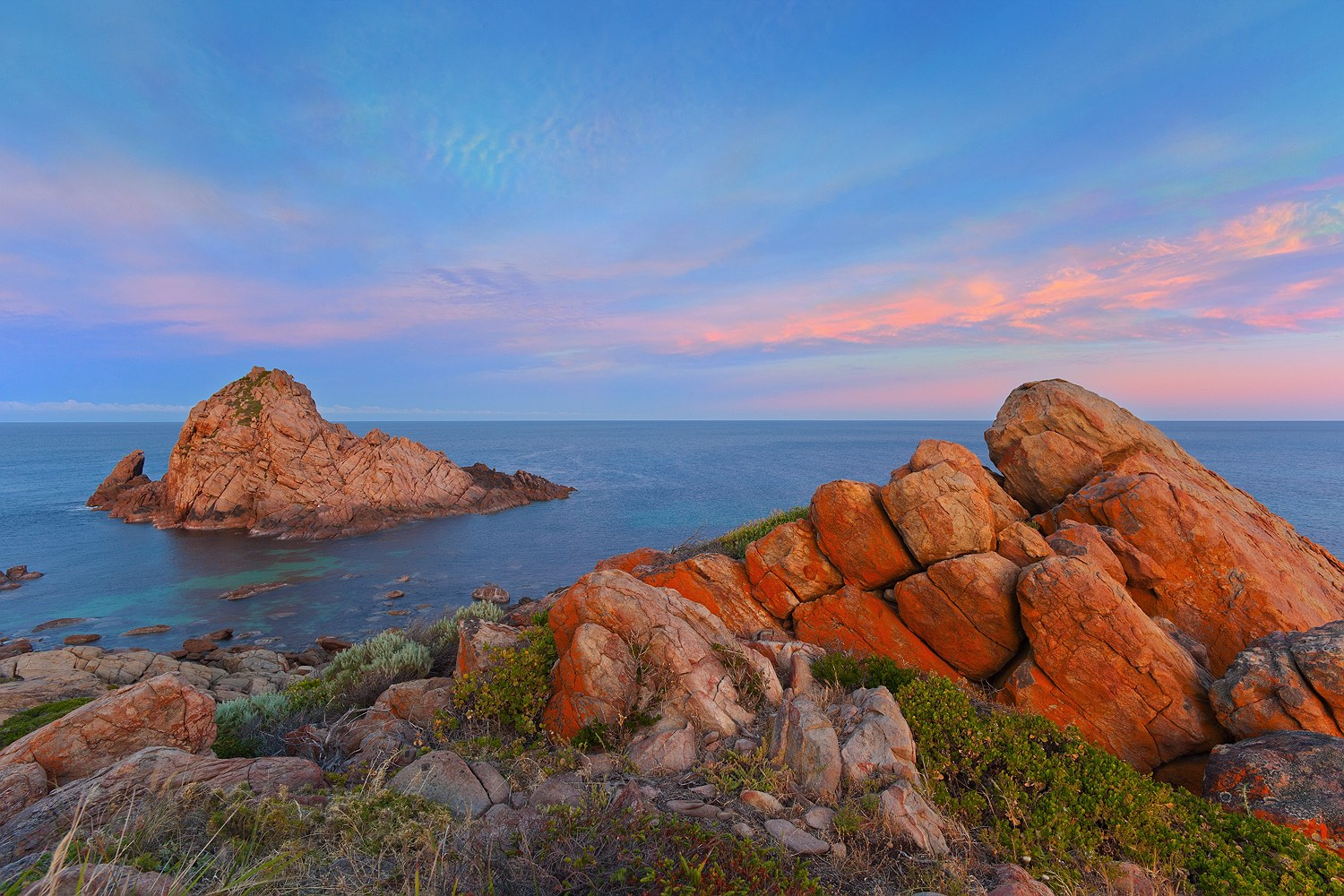 01_sugarloaf_rock_south-west_western-australia_rob-dose_dawn