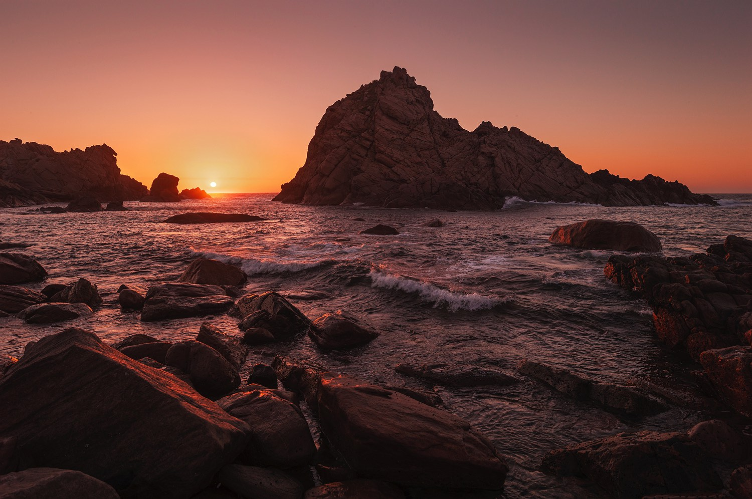 09_sunset-sugarloaf_rock_south-west_western-australia_rob-dose
