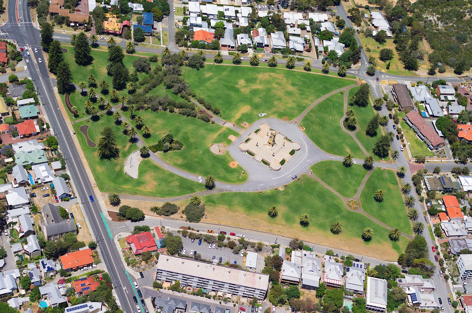 fremantle-war-memorial-monument-hill-aerial