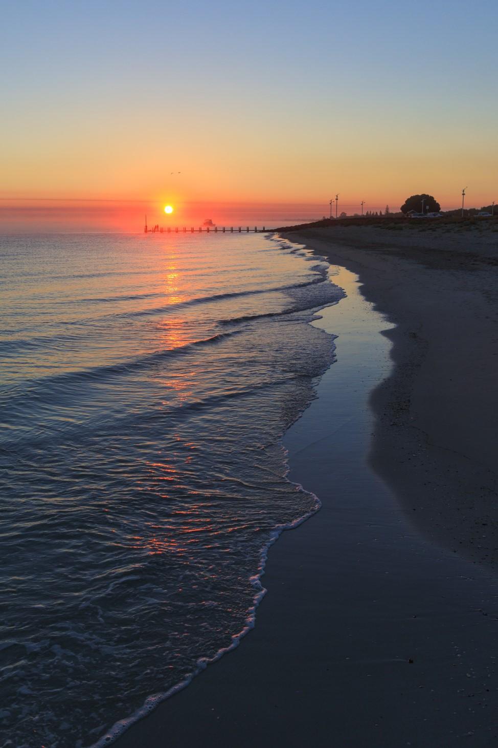 sunrise-dawn-busselton-beach-shore